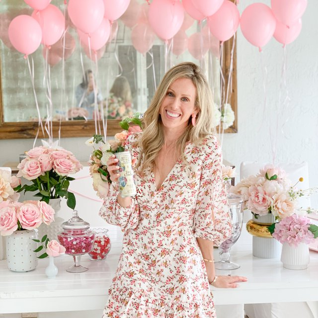 Fashionable Hostess | Valentine's Day | Galentine's Day | Two Chicks Cocktails